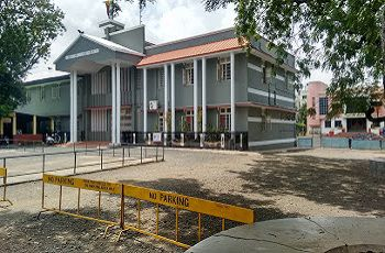 Holy Cross Convent High School Building Image
