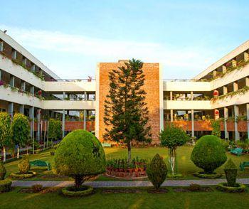 St. Kabir Public School, 26, Ward 14, Sector 26, Chandigarh - 160019 Building Image