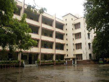 Lourdes Convent High School, AthwaLines, Surat - 395007 Building Image