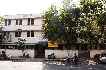 Diwan Ballubhai Primary School Building Image