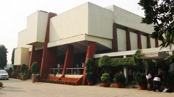 Sardar Patel Vidyalaya, Lodi Estate, New Delhi - 110003 Building Image