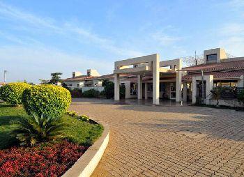N. H. Goel World School, Vidhan Sabha Road, Post Nardaha, Raipur - 493111 Building Image