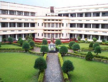 Loyola School Building Image