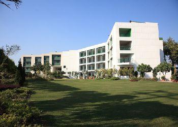 Delhi Public School (DPS), G.T. Road Village, Dhanowali, Jalandhar Cantt, Jalandhar, Punjab - 144010 Building Image