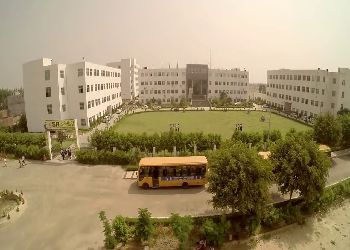 S R Global School Building Image
