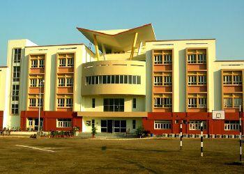 Calcutta International School Building Image
